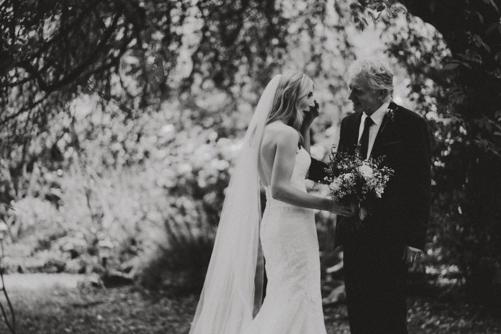 Wedding-Photographer-Healey-Barn-15.jpg