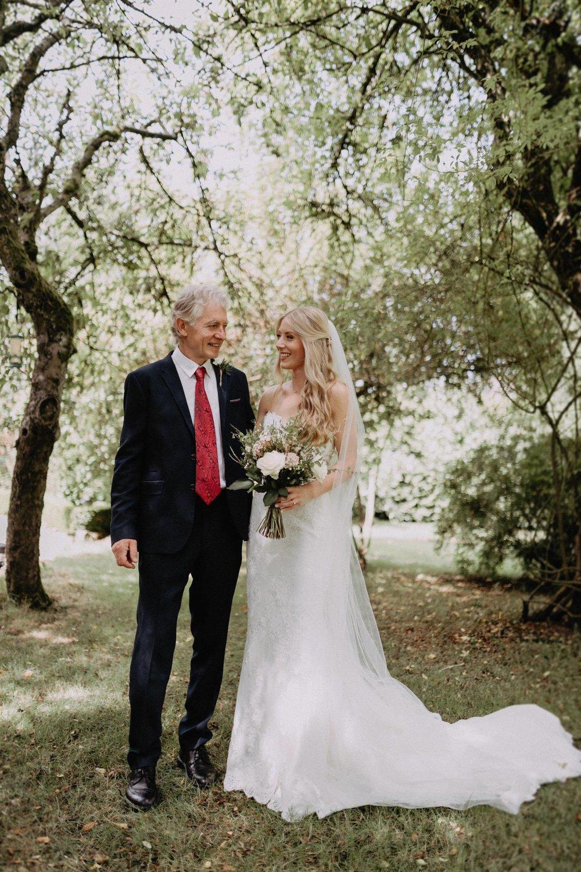 Wedding-Photographer-Healey-Barn-16.jpg