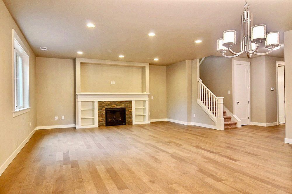 Living_Room_with_Fireplace.jpg