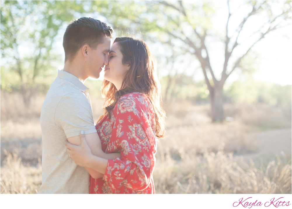 kayla kitts photography - albuquerque wedding photographer - albuquerque wedding - engagement outfits - albuquerque bosque_0011.jpg