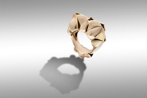 Germoglio yellow gold ring 18ct
