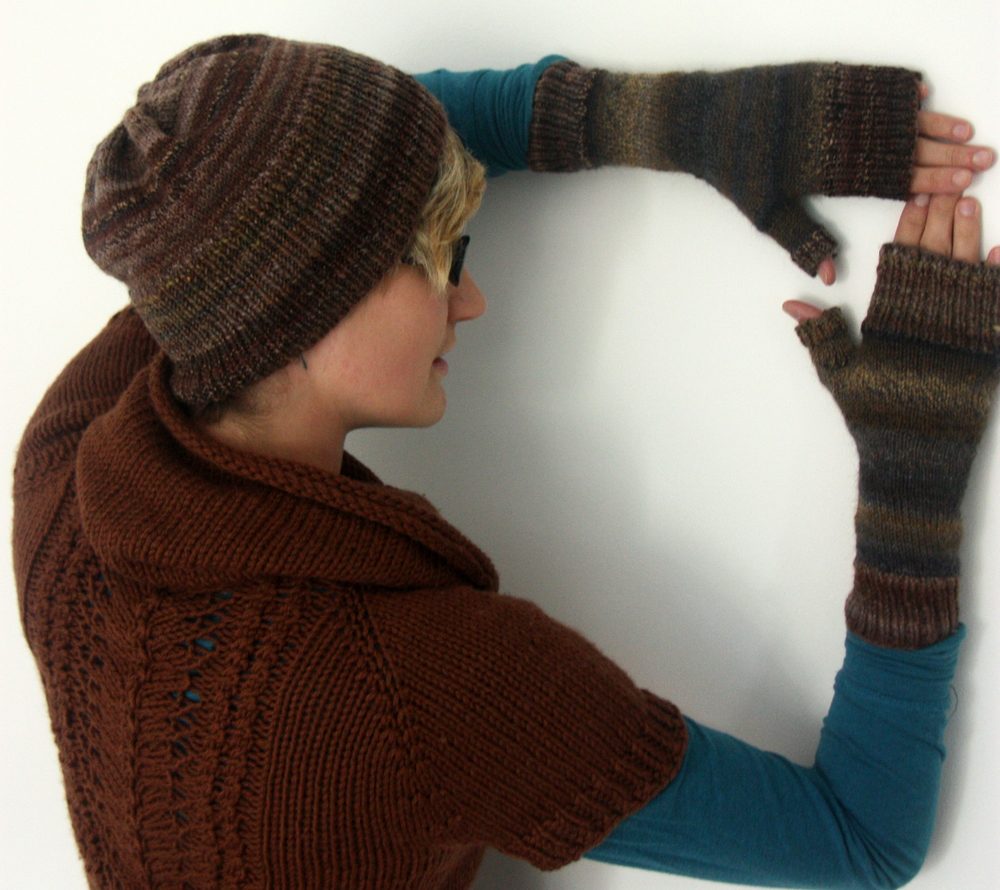 Easy Handspun Mitts by Vera Brosgol