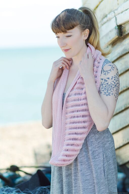 Bagatelle Cowl by Rachel Brown in ISLINGTON DK, Peony © Juju Vail for Kettle Yarn Co.
