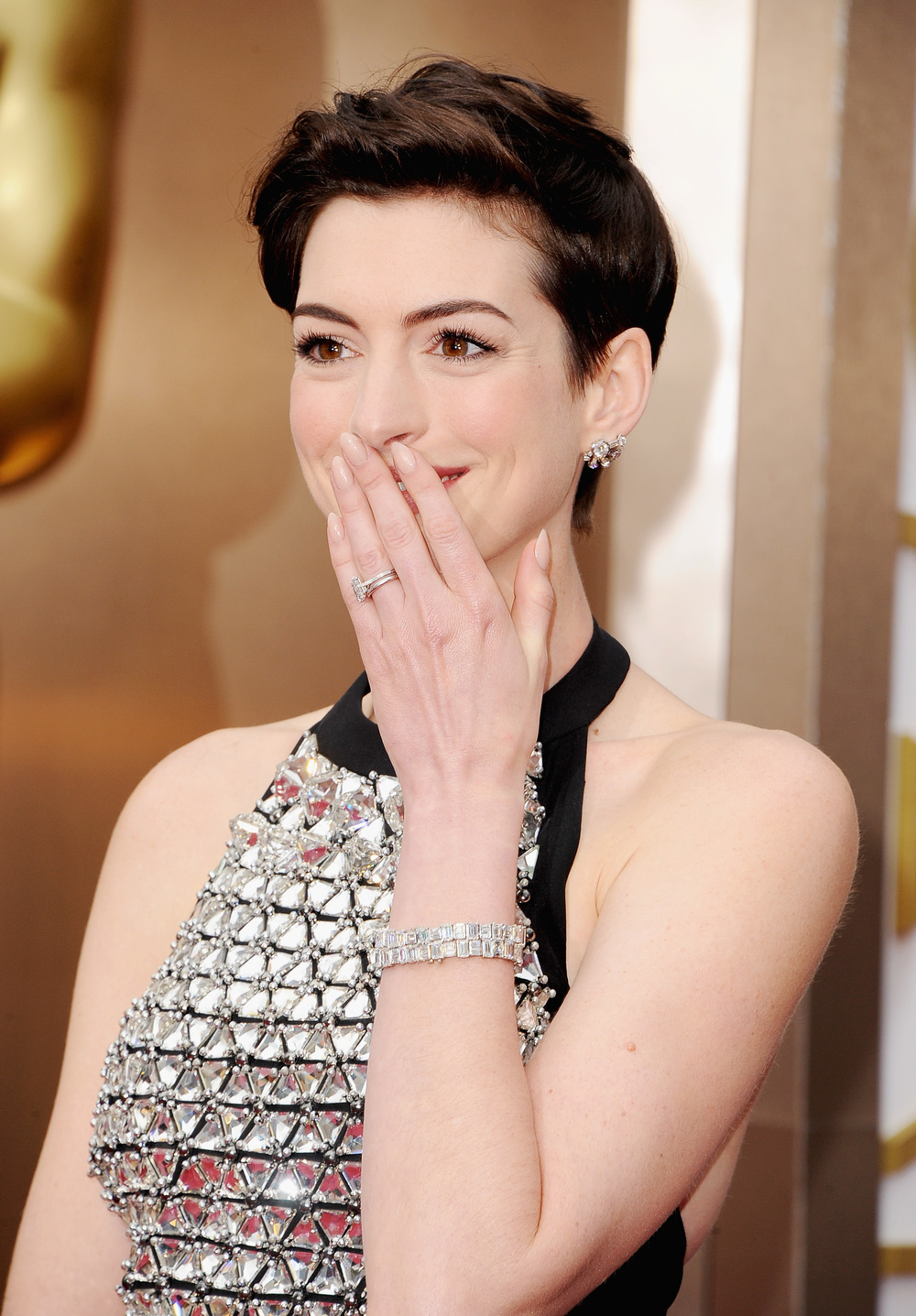 Anne Hathaway in Neil Lane