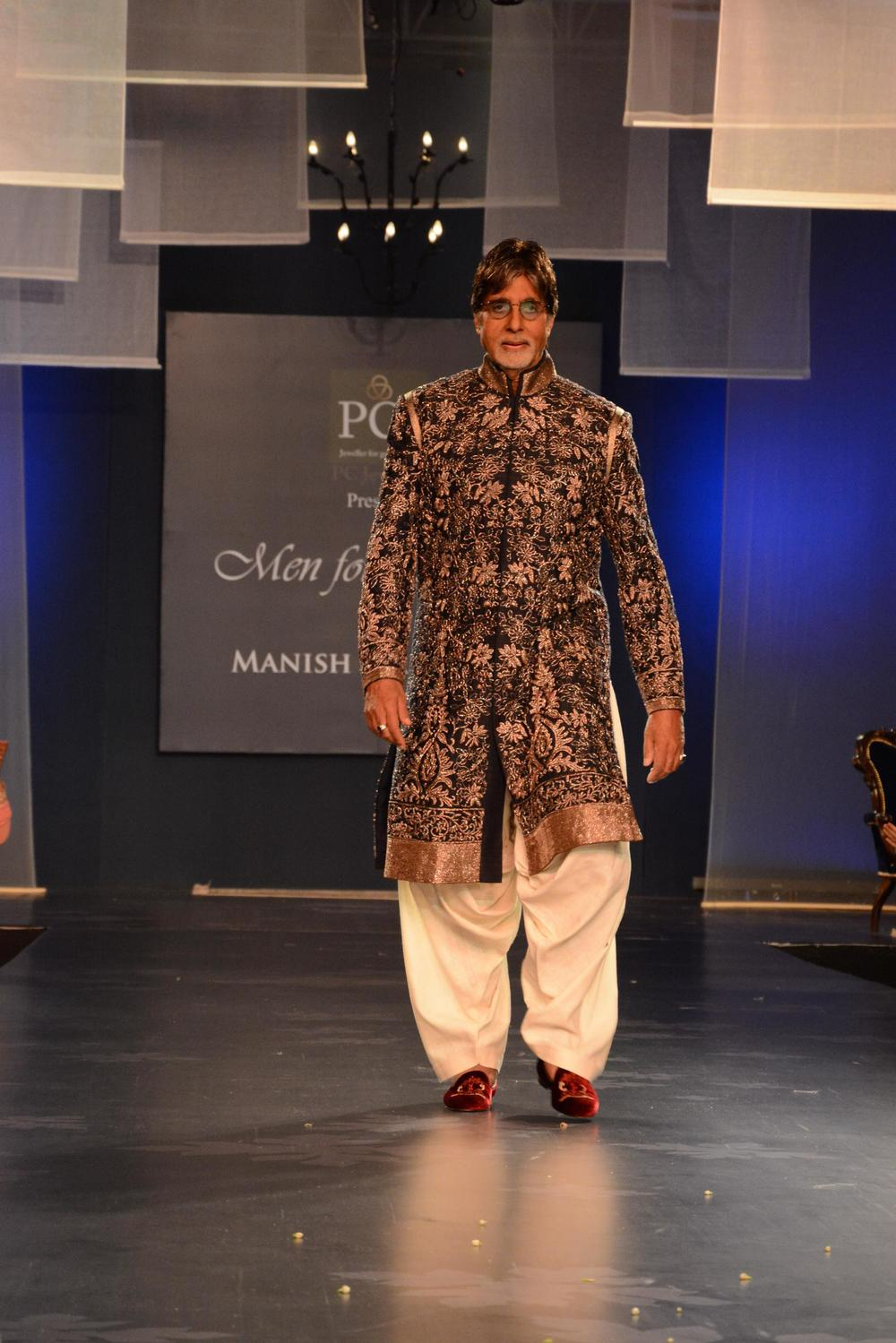 manish-malhotra-men-mijwan-03.JPG