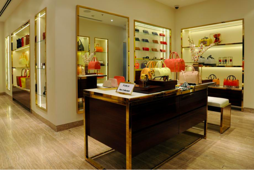 furla-select-city-walk-new-delhi-012.jpg