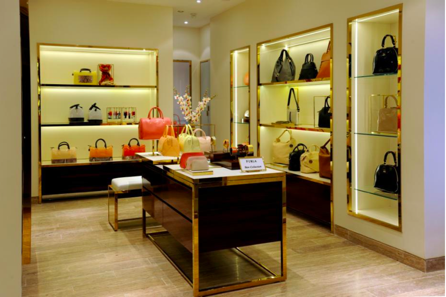 furla-select-city-walk-new-delhi-01.jpg