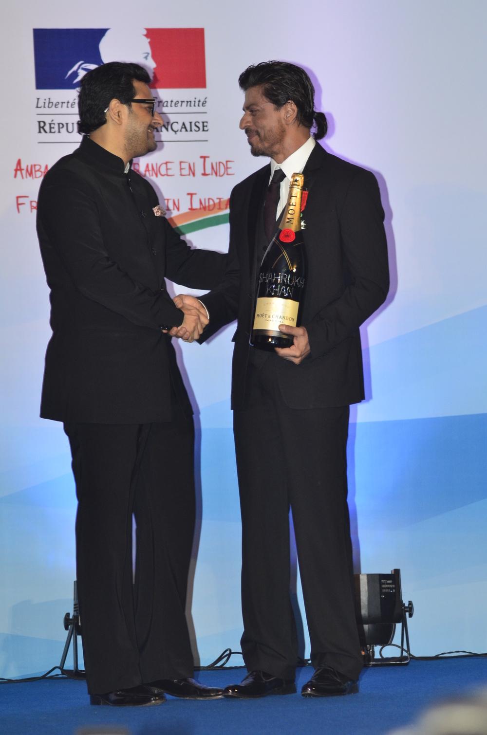 Gaurav Bhatia, Marketing Director, Moet & Hennessy India and Shah Rukh Khan.JPG