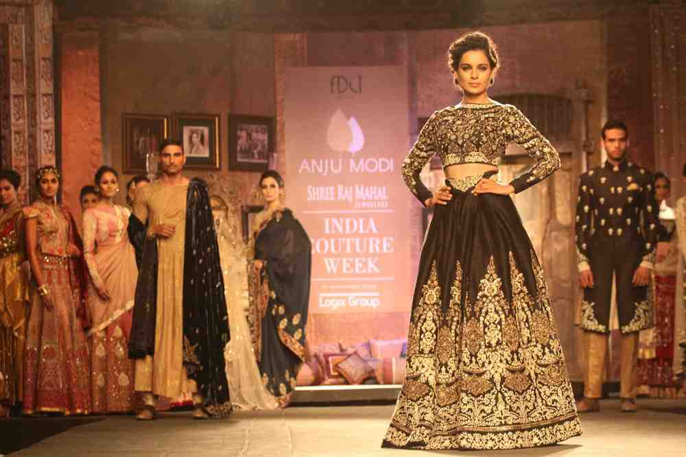 Kangana Ranaut at Shree Raj Mahal  Jewelers India  Couture Week.jpg