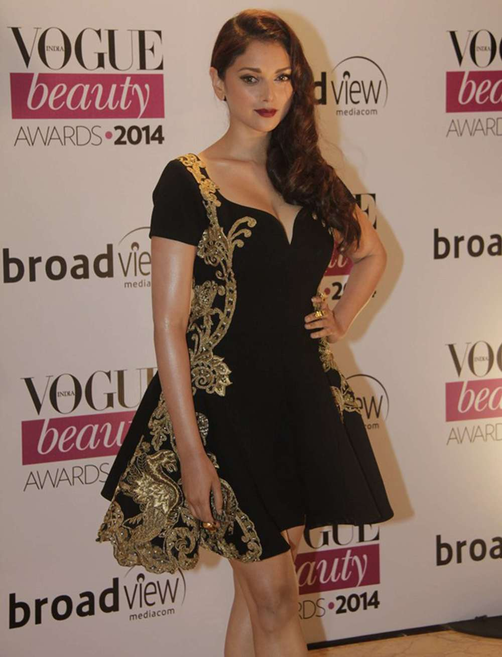 Aditi Rao Hydari in Monisha Jaising at the Vogue Beauty Awards 2014