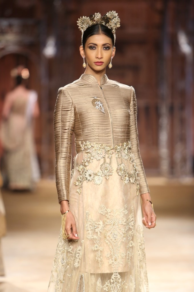 ICW-2014-sulakshana-couture-9.JPG