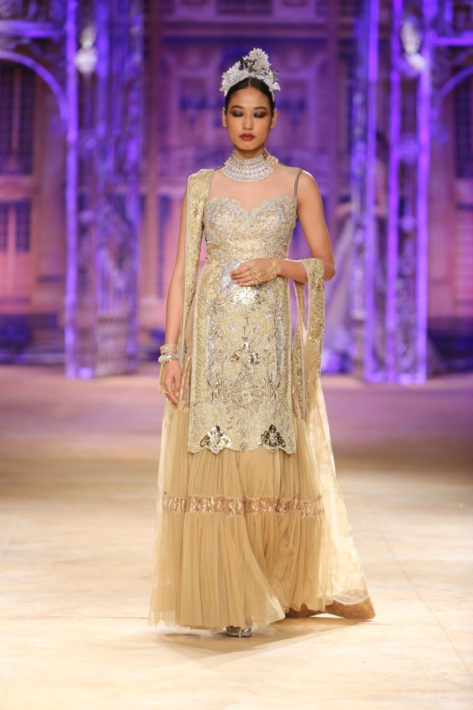 ICW-2014-sulakshana-couture-12.JPG