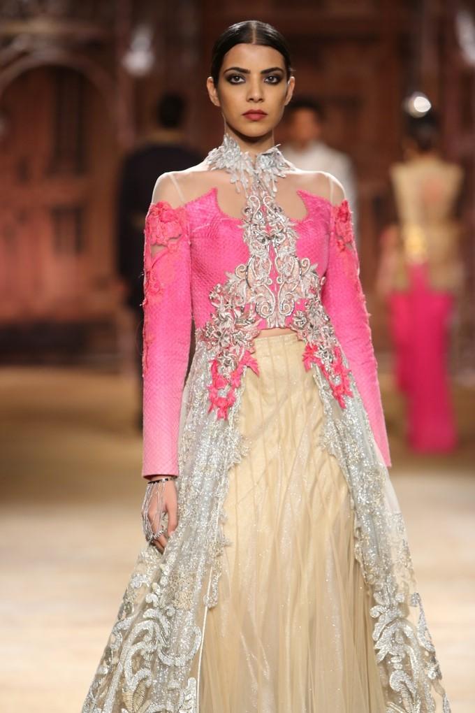 ICW-2014-sulakshana-couture-14.JPG