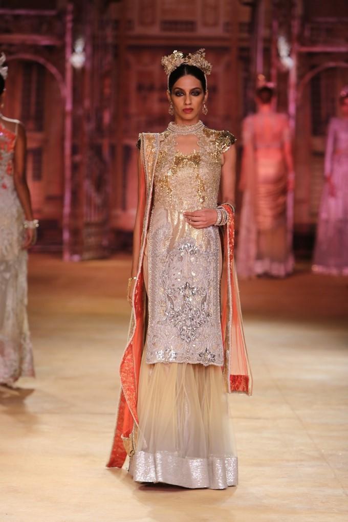 ICW-2014-sulakshana-couture-27.JPG