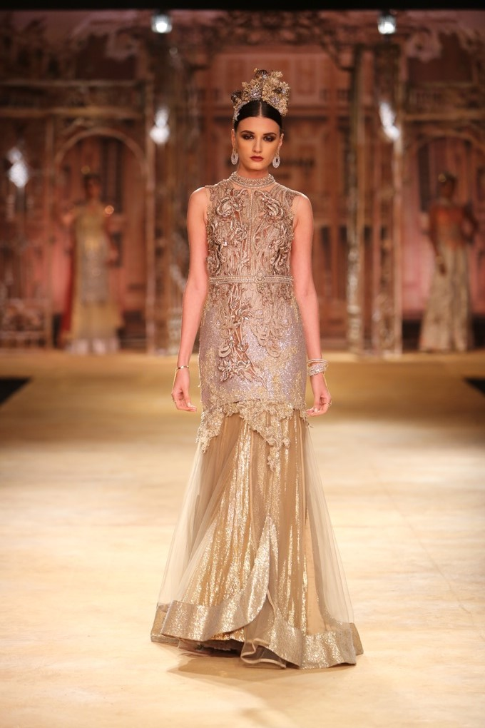 ICW-2014-sulakshana-couture-33.JPG