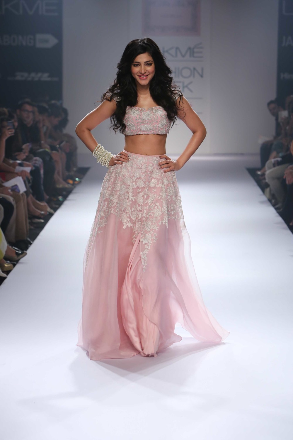 Shruti Hassan walks for Shehla Khan