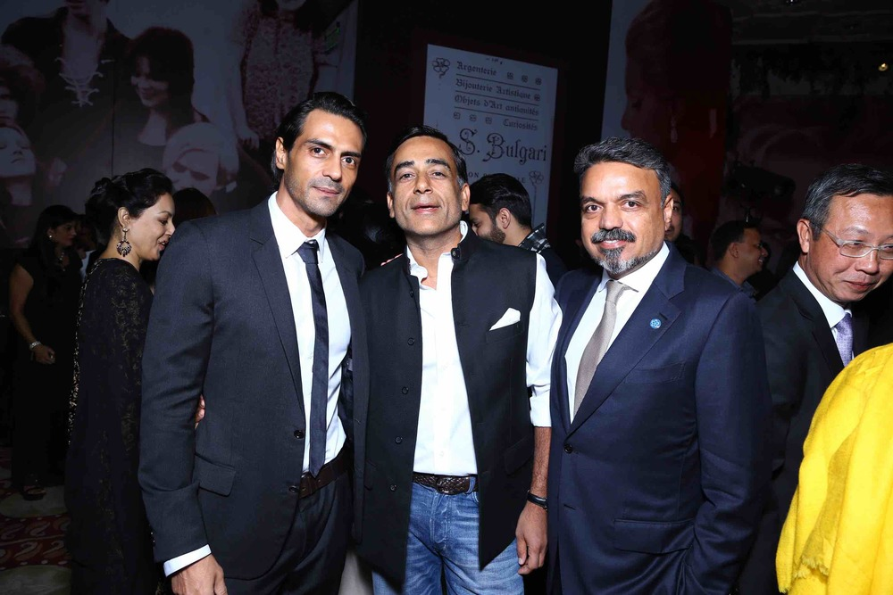 Arjun Rampal, Ravi Thakran with a Friend