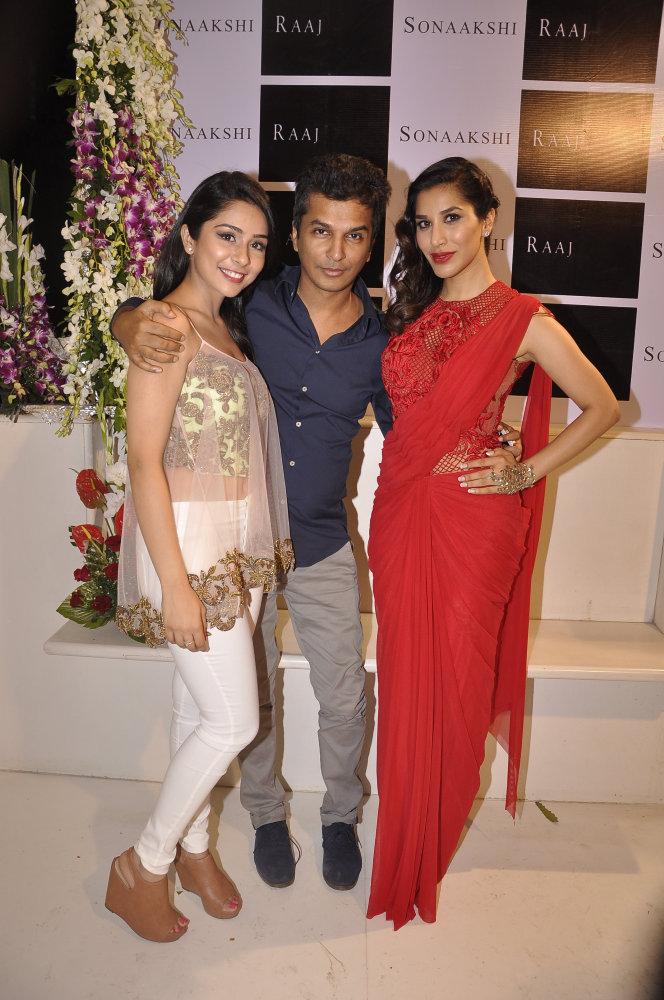 Sonaakshi Raaj, Vikram Phandis and Sophie Choudry