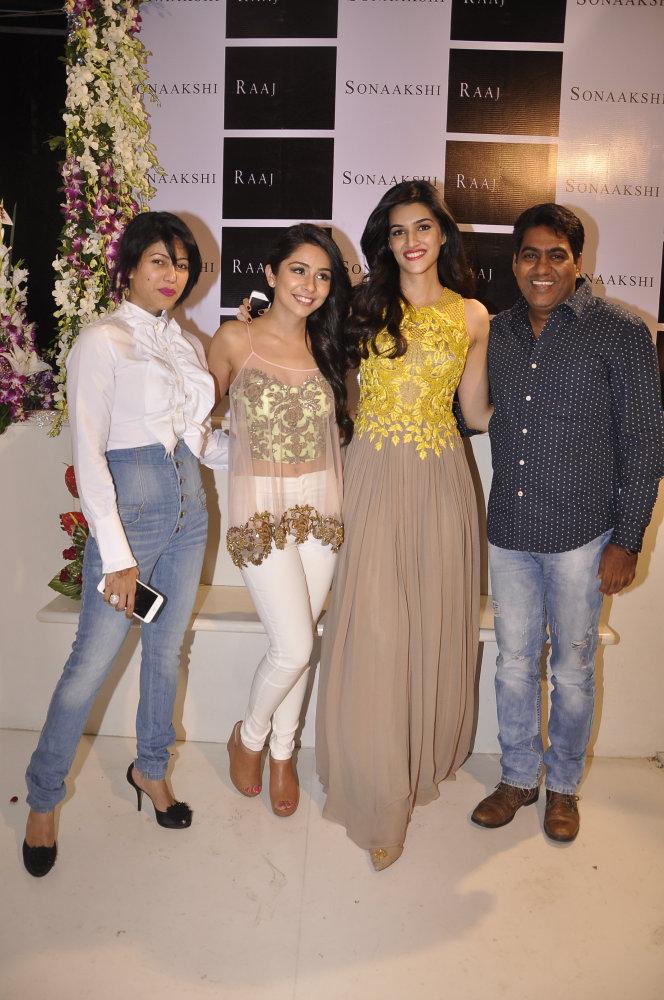 Wardha Nadiadwala, Sonaakshi Raaj, Kriti Sanon and Sabir Khan