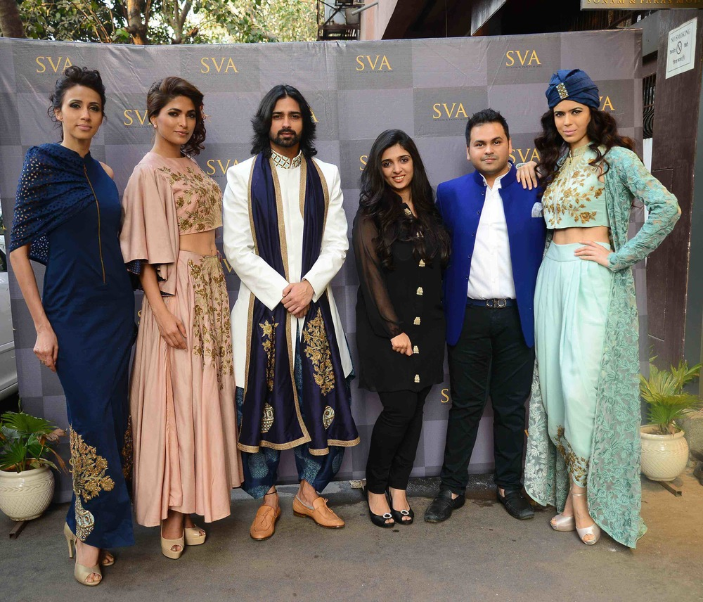 Sonam & Paras Modi with models in Istanblu.jpg