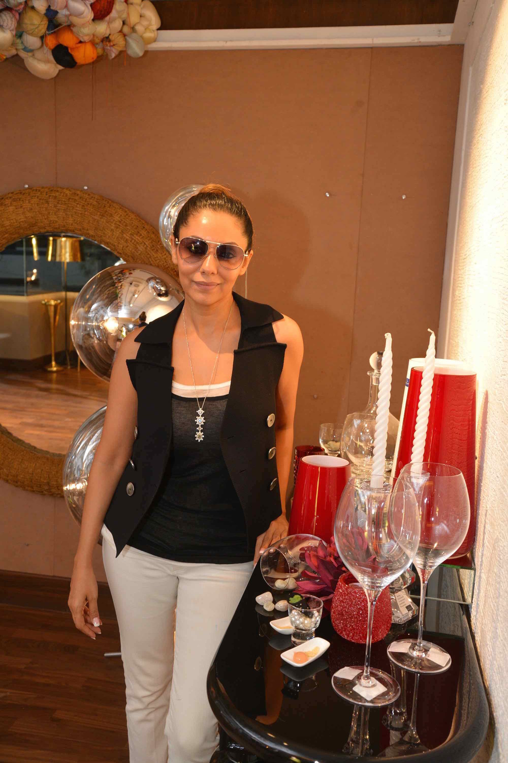 Gauri Khan With The Cocktail Display At The Villeroy & Boch High Tea