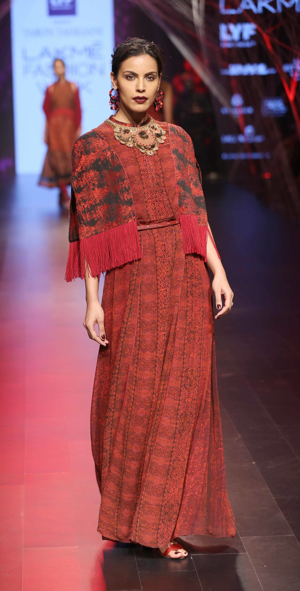 Model, Deepti Gujral walks the ramp for Tarun Tahiliani at Lakme Fashion....jpg