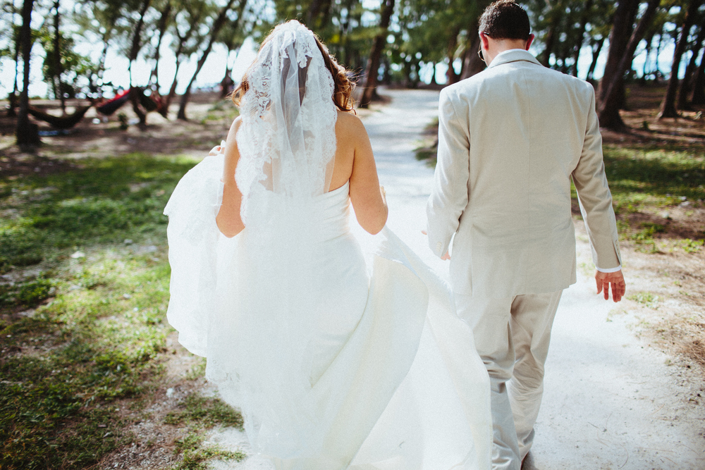 Stephanie & Dave {Real Wedding} | Just Save the Date | Photo Credit: Jonathan Connolly