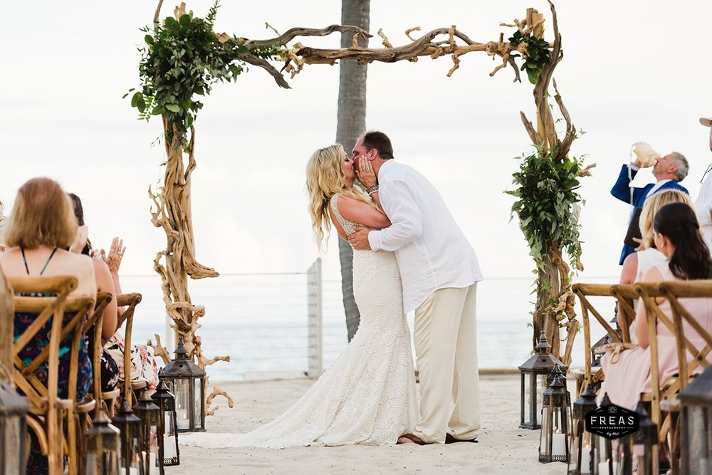 Copy of Freas-Photography-Southernmost-Beach-Wedding-DM-315.jpg