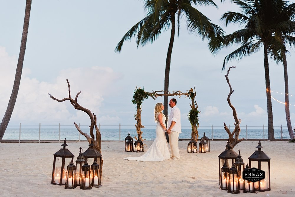 Copy of Freas-Photography-Southernmost-Beach-Wedding-DM-456.jpg
