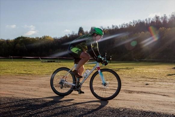 Leon Molund på en Niner RLT 9 RDO CX-sykkel