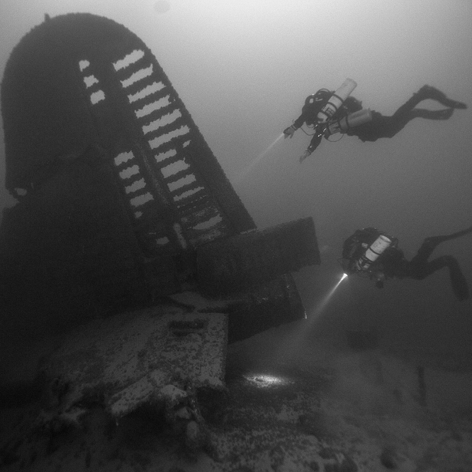 National Park Divers    High Country News--July 2, 2014   The National Park Service's Submerged Resources Center dives to preserve some of the country's most fascinating underwater archeological and natural history.   Imag  e courtesy of the National Park Service Submerged Resources Center.