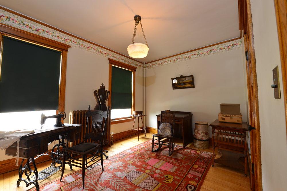 sewingroom.jpg