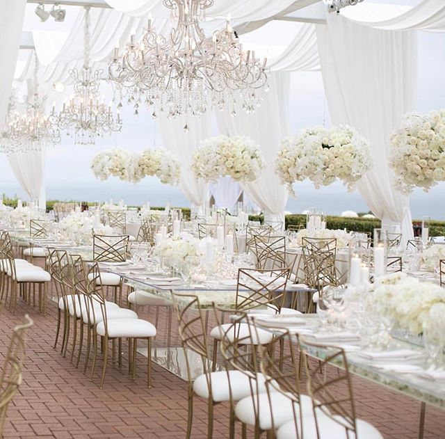 Elegant all white affair 💡🔌🕊🥂 . . #eventproduction #eventdesign  #lightingdesign #lighting #artistic #creative #eventplanning  #corporateevent #corporatedinner #event  #eventplanner #production #productionlighting #soundproduction #lightingproduction #videoproduction #productionlife #wedding #weddingseason #weddingplanner #weddingday #bride #reception #led #ledlighting #love #gala #shinelighting #elegance #eventstyling