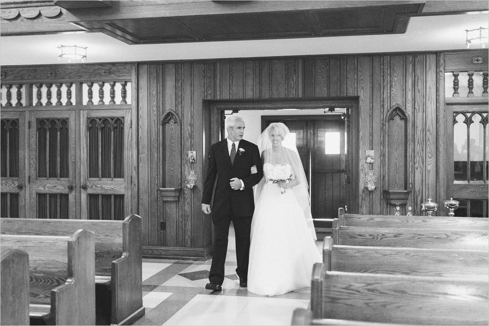 jess_tyler-bright-cheery-richmond-virginia-wedding_0020