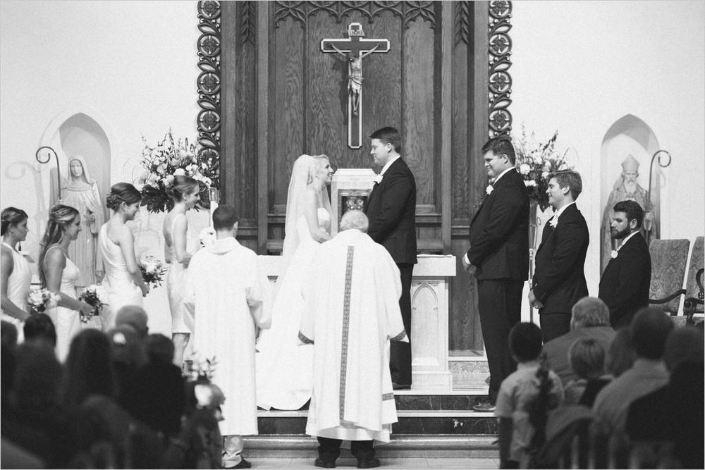 jess_tyler-bright-cheery-richmond-virginia-wedding_0023