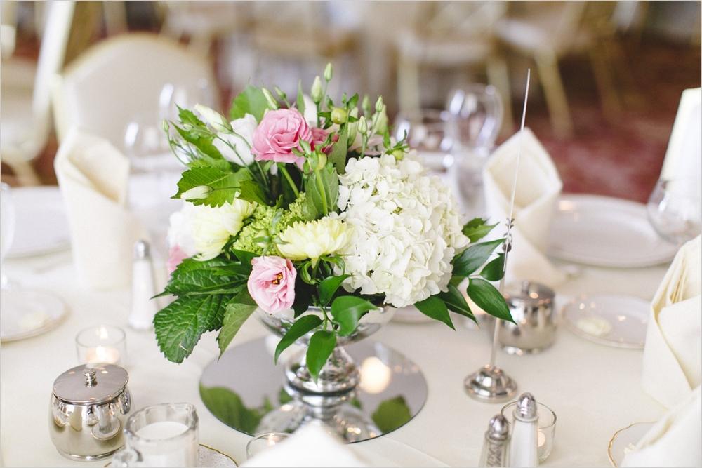 jess_tyler-bright-cheery-richmond-virginia-wedding_0038