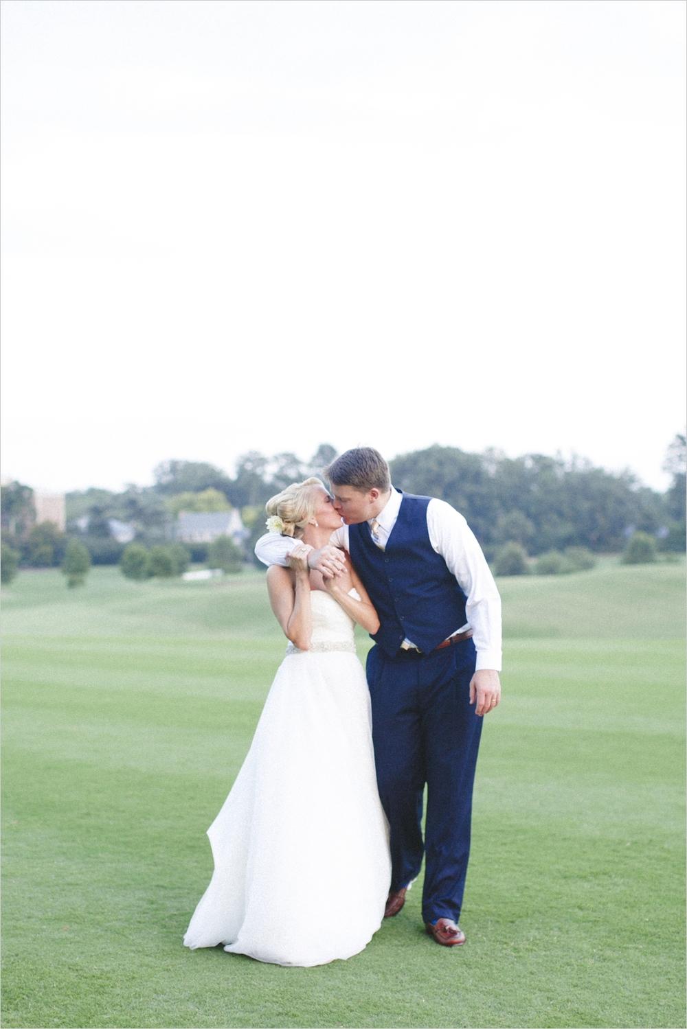 jess_tyler-bright-cheery-richmond-virginia-wedding_0045
