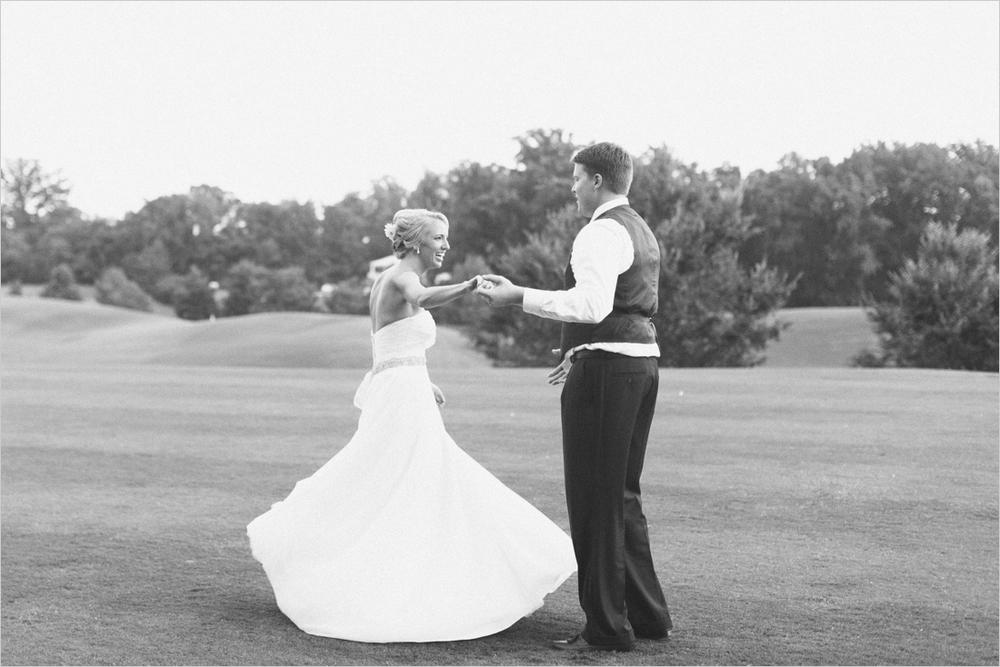 jess_tyler-bright-cheery-richmond-virginia-wedding_0046