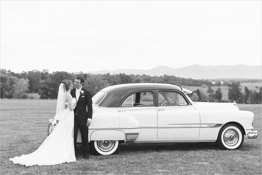 leslie-derek-crosskeys-vineyard-wedding-harrisonbug-va_0040