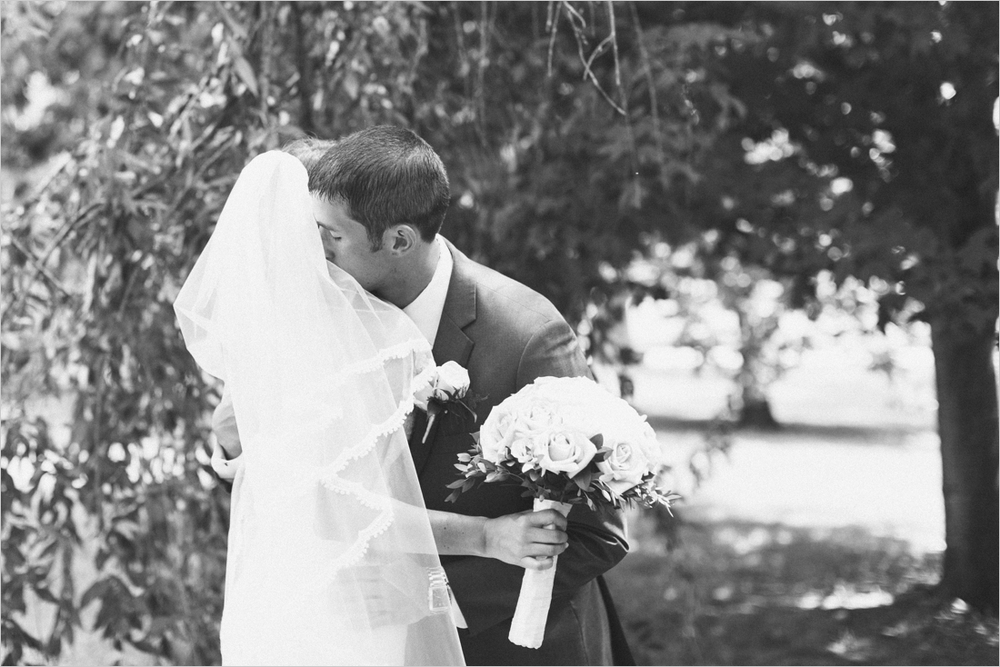 emily-michael-blackburg-virginia-tech-wedding_0012