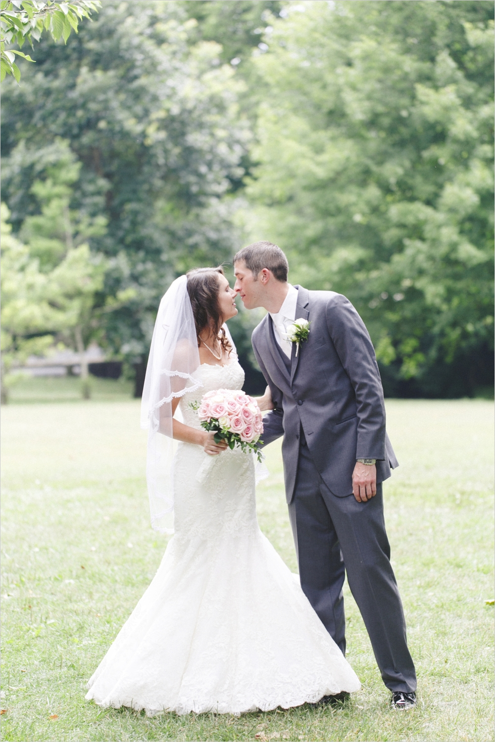 emily-michael-blackburg-virginia-tech-wedding_0013