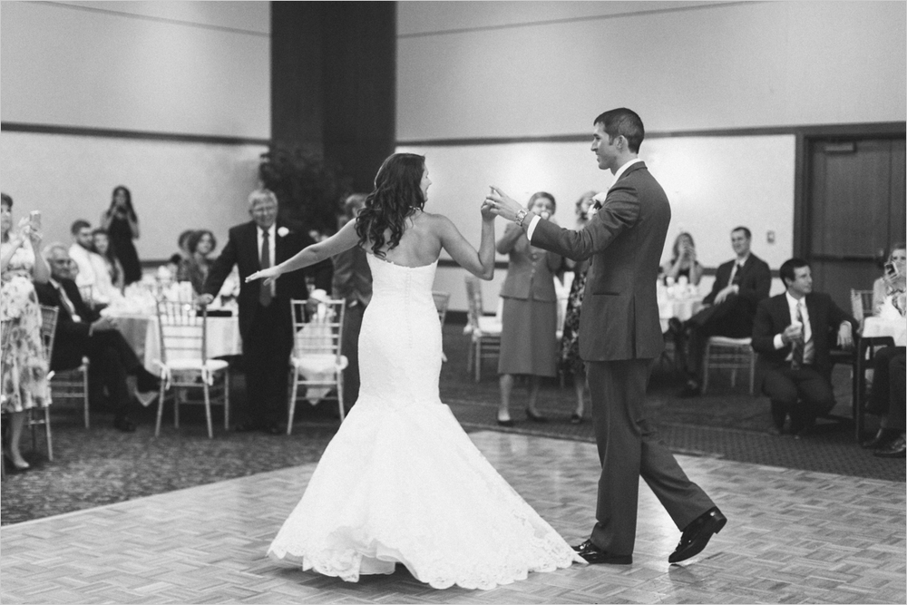 emily-michael-blackburg-virginia-tech-wedding_0051