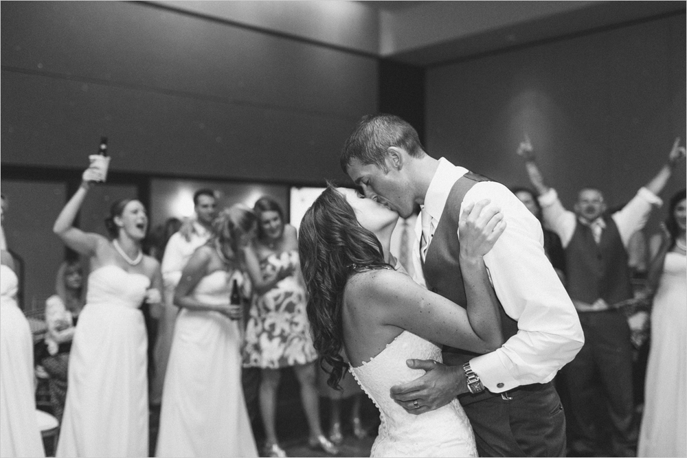 emily-michael-blackburg-virginia-tech-wedding_0052