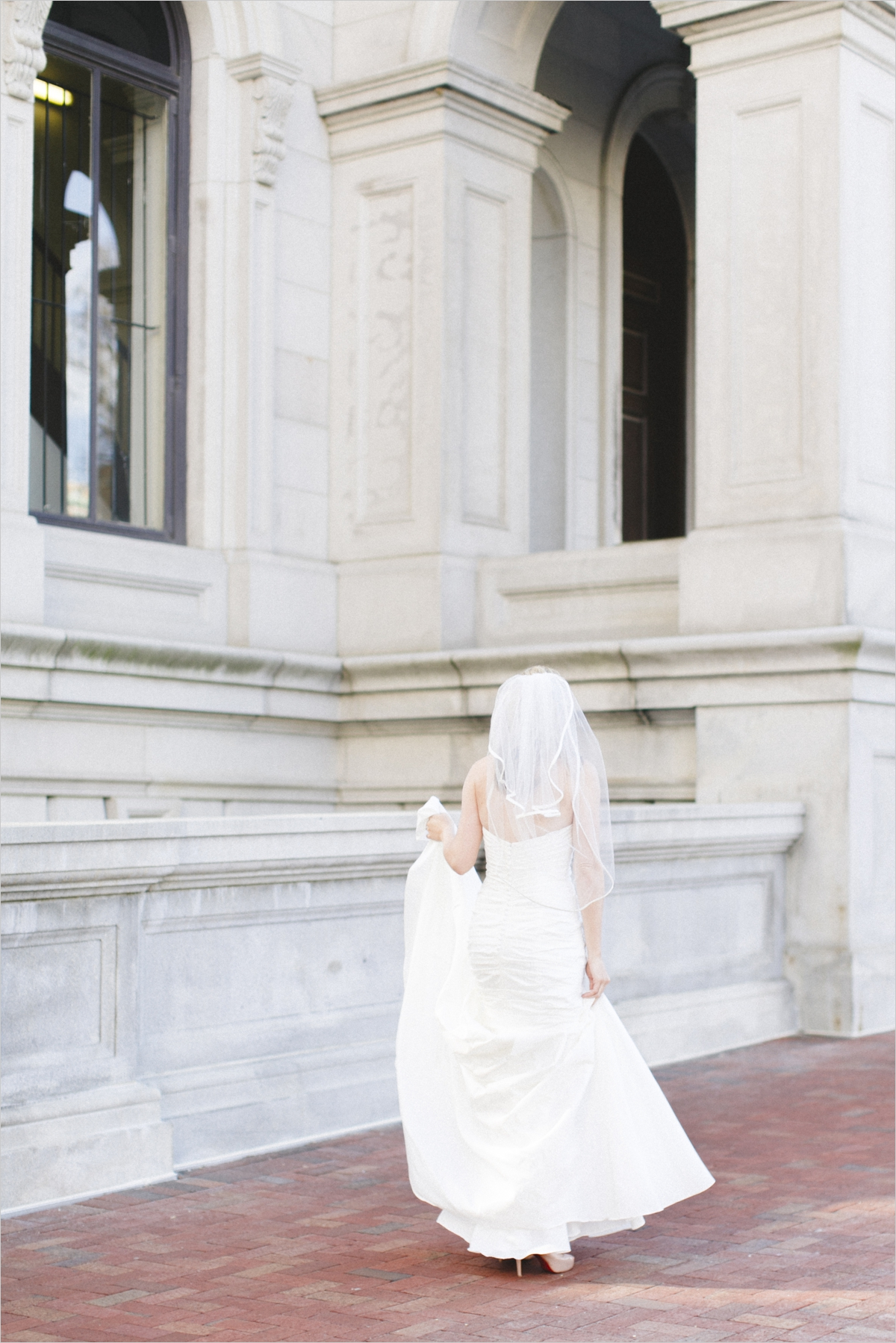 brooke-downtown-richmond-capitol-bridals_0003