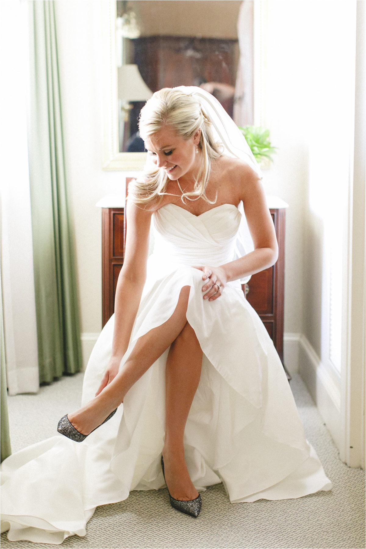 brooke-gordon-classic-downtown-richmond-va-wedding_0007