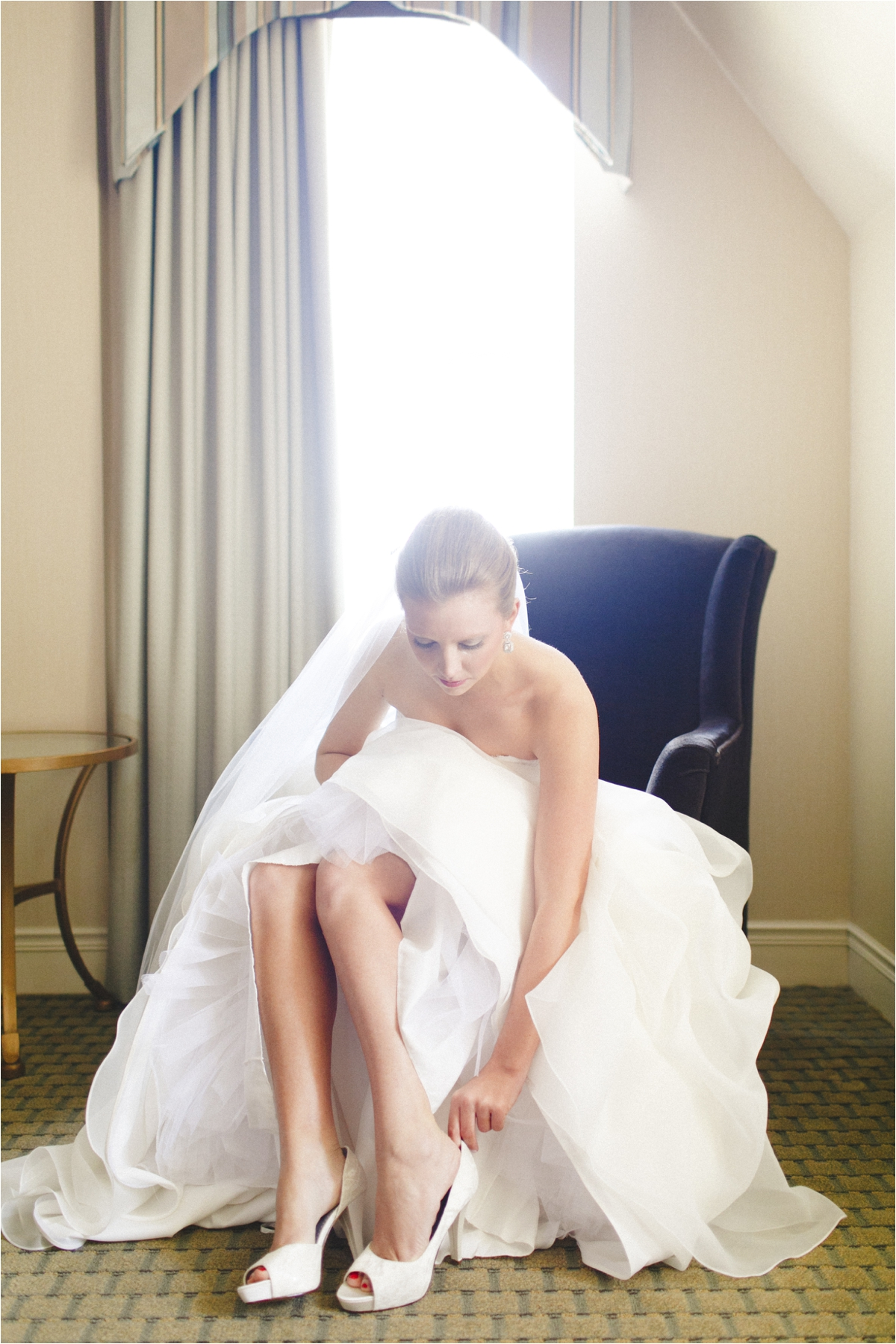 jaclyn-ryan-classic-hotel-roanoke-virginia-wedding-_0018