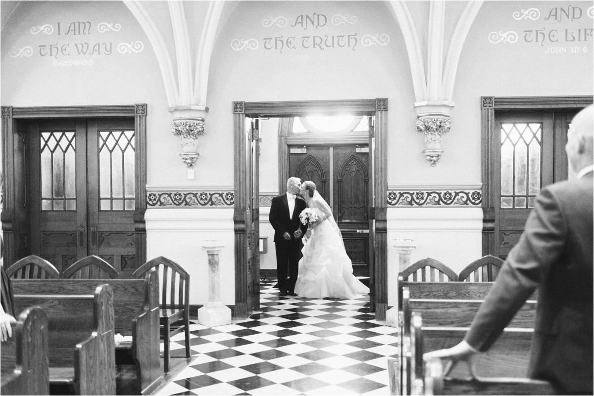 jaclyn-ryan-classic-hotel-roanoke-virginia-wedding-_0027