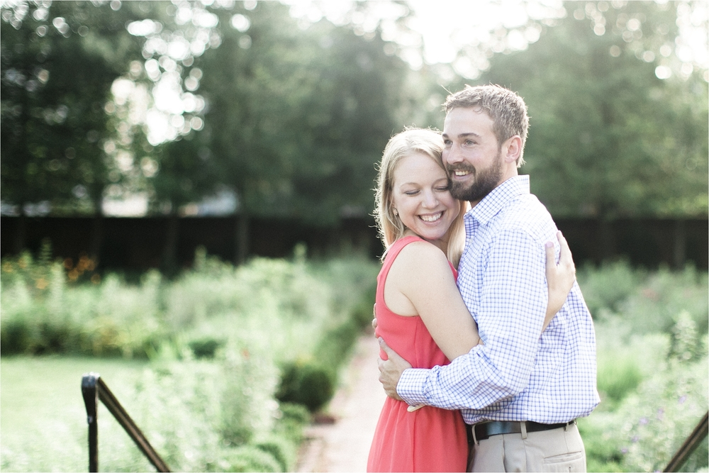 stephanie-yonce-dowtown-fredericksburg-virginia-engagement-photos_0010.jpg