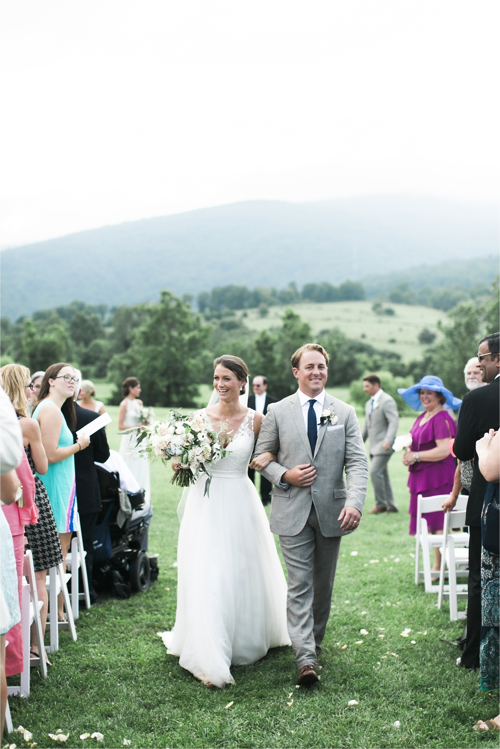stephanie-yonce-charlottesville-virginia-king-family-vineyard-wedding-photos_0038.jpg
