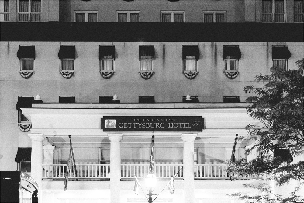 stephanie-yonce-photography-historic-gettysburg-hotel-pa-wedding_0031.jpg